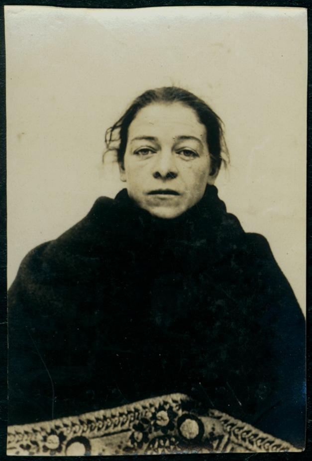 Sarah Dowd, arrested for stealing money