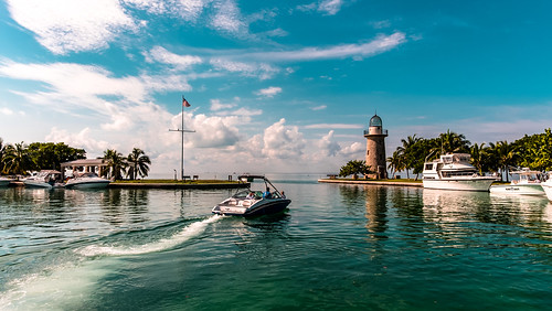 biscaynenationalpark yacht seashore sea seascape blue waterways seawalk exploration walkways navigating water travelling tourism unitedstates skies