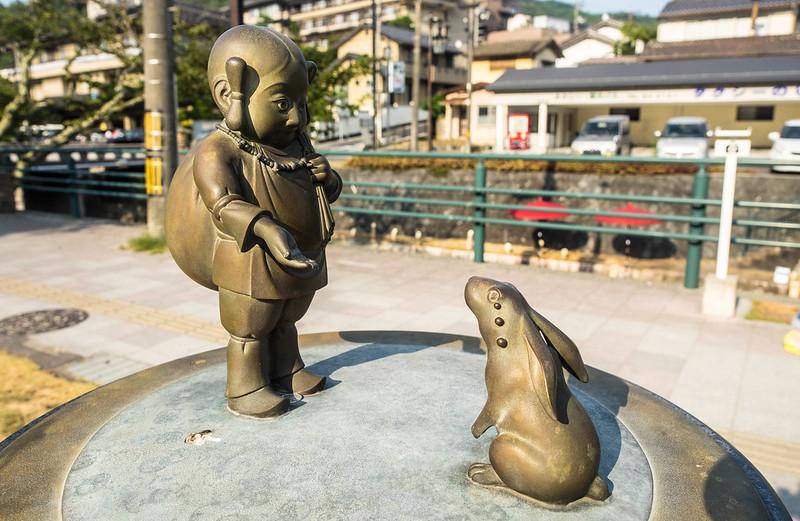 Onamuji con la liebre blanca de Inaba