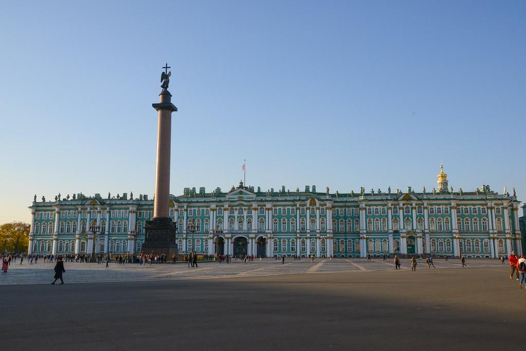 театре дворцовая площадь зимний дворец открытка его размеренной
