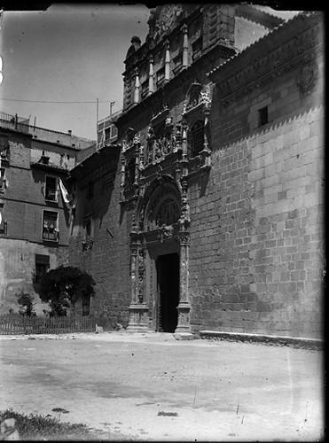 Hospital de Santa Cruz en Toledo hacia 1920. Fotografía de Enrique Guinea Maquíbar © Archivo Municipal de Vitoria-Gasteiz