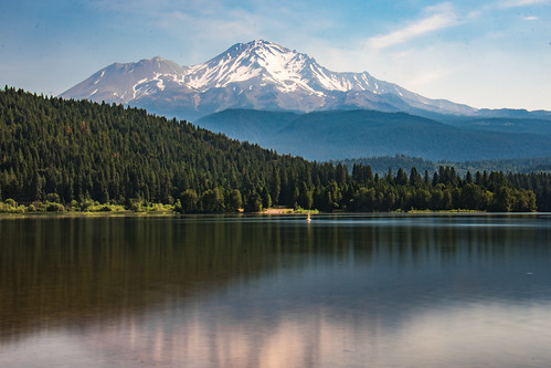 Mt Shasta daytime long exposure   by m01229