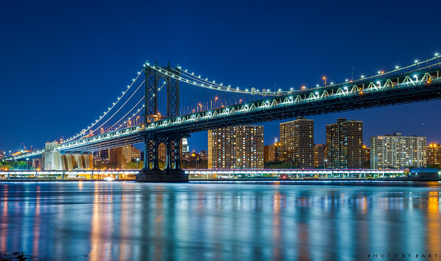 Manhattan Bridge in the middle of the night