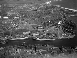 Aerial view of the River Wear, 1948