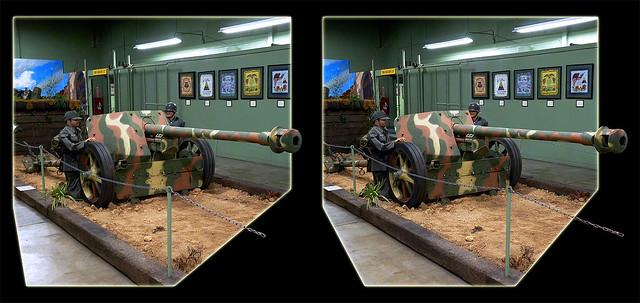 Danville AAF Museum WWII German PAK 40 Anti-Tank Gun 1 - Cross-eye 3D