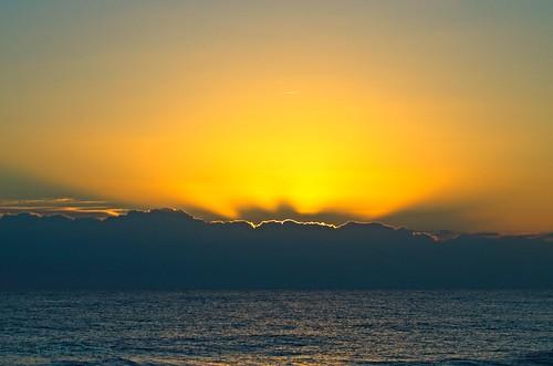 leverdesoleil sunrise sunset mer sea mar puestadelsol ciel sky nuages clouds méditerranée mediterranean nikon d7000 lumière light amanecer salida salidadelsol
