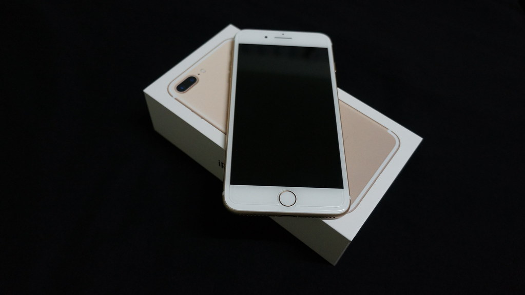 iPhone 7 Plus (Gold) on box | Taken with Sony NEX-5N  | Flickr