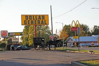 Amish horse and buggy at Dollar General