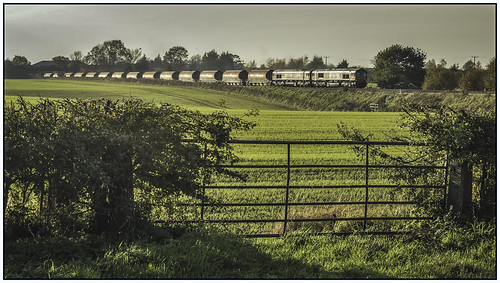 train railway shrewsbury freight dbs generalmotors walcot class66 ews kaolin 66091 66125 chinaclaytanks dbschenker 6m60