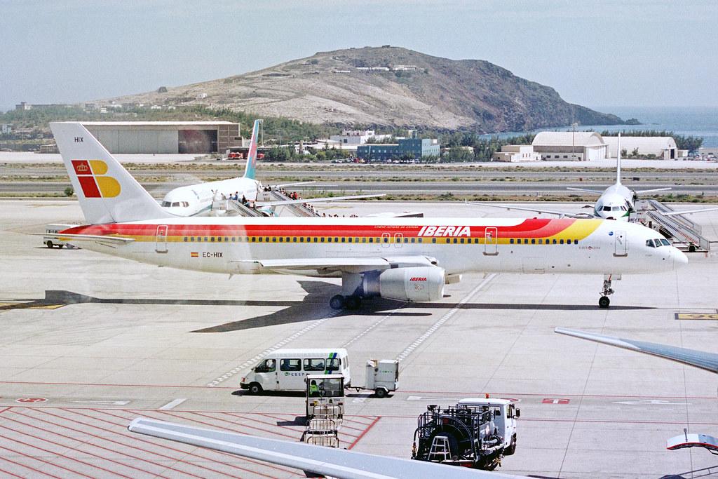 EC-HIX Boeing 757-256 Iberia LPA 08MAR04