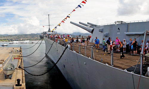 battleshipmissouri pearlharbour honolulu tamron18270mmpzd hawaii sonydslra580 warship battleship usnavy bigguns sightseeinghonolulu sightseeinghawaii pacificisland sonyalpha pacificislands geotagged freephotos cco