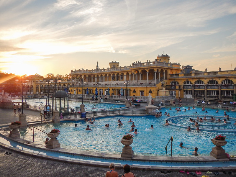 Széchenyi Termálfürdő (Széchenyi Thermal Bath)