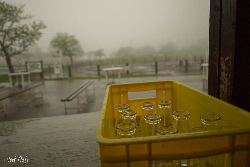 雨の牧場 by Noël Café