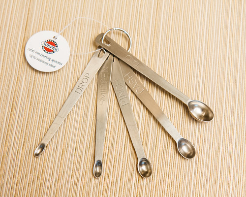stainless steel mini measuring spoons for dosing dry fertilizers in a nano planted aquarium