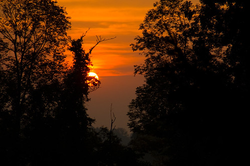 sun sunrise color lighting morning light sky orange usa sunlight ny nature beautiful photography dawn photo colorful unitedstates nikond70 places adirondacks upstateny glensfalls landscapeorientation 18200mmf3563 glensfallsairport