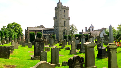 summer history cemetery scotland europa europe stirling travellers escocia medieval historical gaelic scots 2014 churchoftheholyrude medievalhistory holyrude 2000views medievalarchitecture scottishcrown medievalcathedrals powerfulgreen scotscemetery