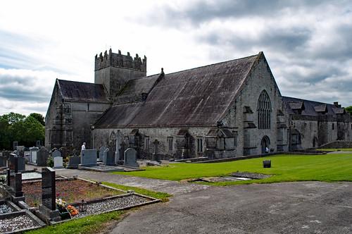 ireland countytipperary holycross abbey cemetery