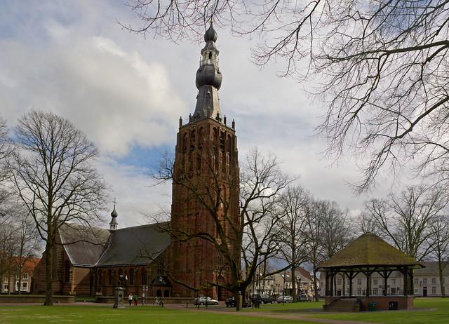 Hilvarenbeek - Sint-Petrus'-Bandenkerk