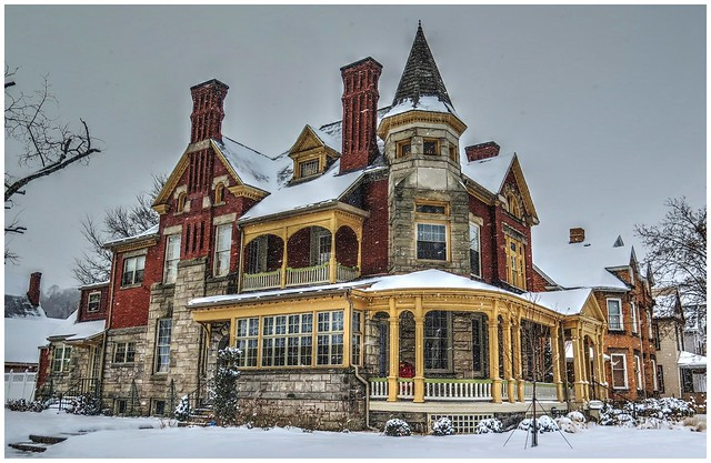 Wintertime Victorian Home @ Kittanning PA (HWW)