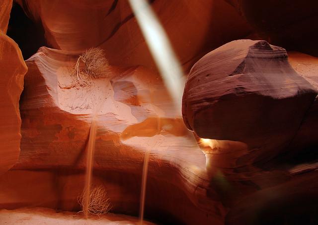 upper antelope canyon light beam page arizona