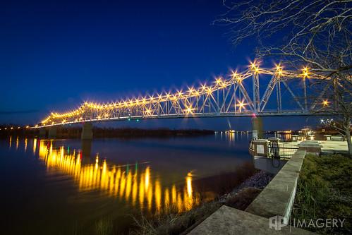 ky kentucky ohioriver owensboro blue bridge downtown glovercary lights night twilight