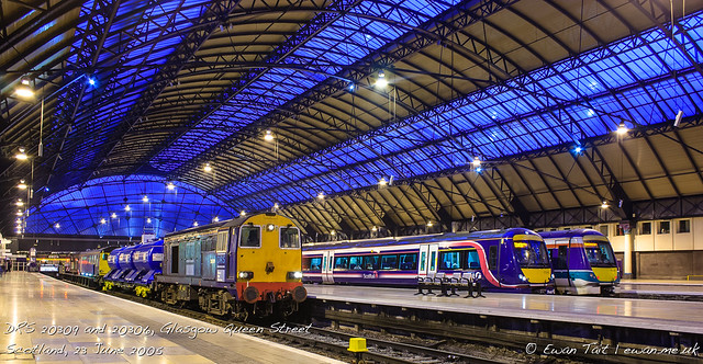 DRS 20309 and 20306, Glasgow Queen Street