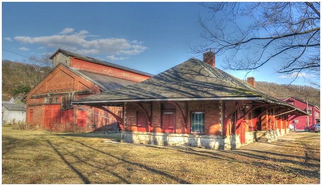 Allegheny Valley Railroad Train Station & Freight House @ Kittanning, PA