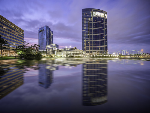 allisontower anadarko anadarkopetroleumcorporation hackettower hacketttower houston montgomerycounty tx texas thewoodlands usa unitedstates woodlandsoperatingcompany architecture blue bluehour bridge building buildings colorimage exterior fineartphotography image lake longexposure nopeople panorama photo photograph photography reflection reflections skyline sunset tower water windows f71 mabrycampbell february 2015 february12015 20150201h6a3094 17mm 150sec iso100 tse17mmf4l