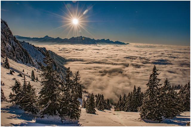 Swiss winter paradise, Paradis hivérnale suisse ,  Les Rochers de Nays . Canton of Vaud. No. 6384.