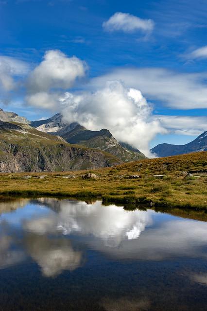 Morning méditation in the Schcwarzsee,Zermatt.  Canton of Valais , Switzerland.  No. 9413.
