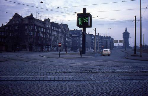 Halle (Saale), digital clock at dusk, March 1984