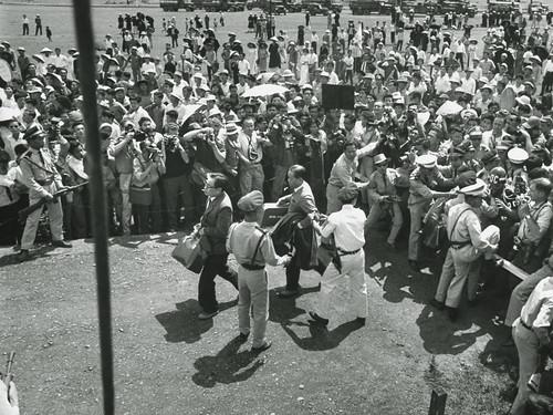 QUẢNG TRỊ 19-3-1965 - Trục xuất 3 ông hòa bình thuộc 'Ủy ban bảo vệ Hòa Bình' ủng hộ CS về miền Bắc qua ngả cầu Hiền Lương
