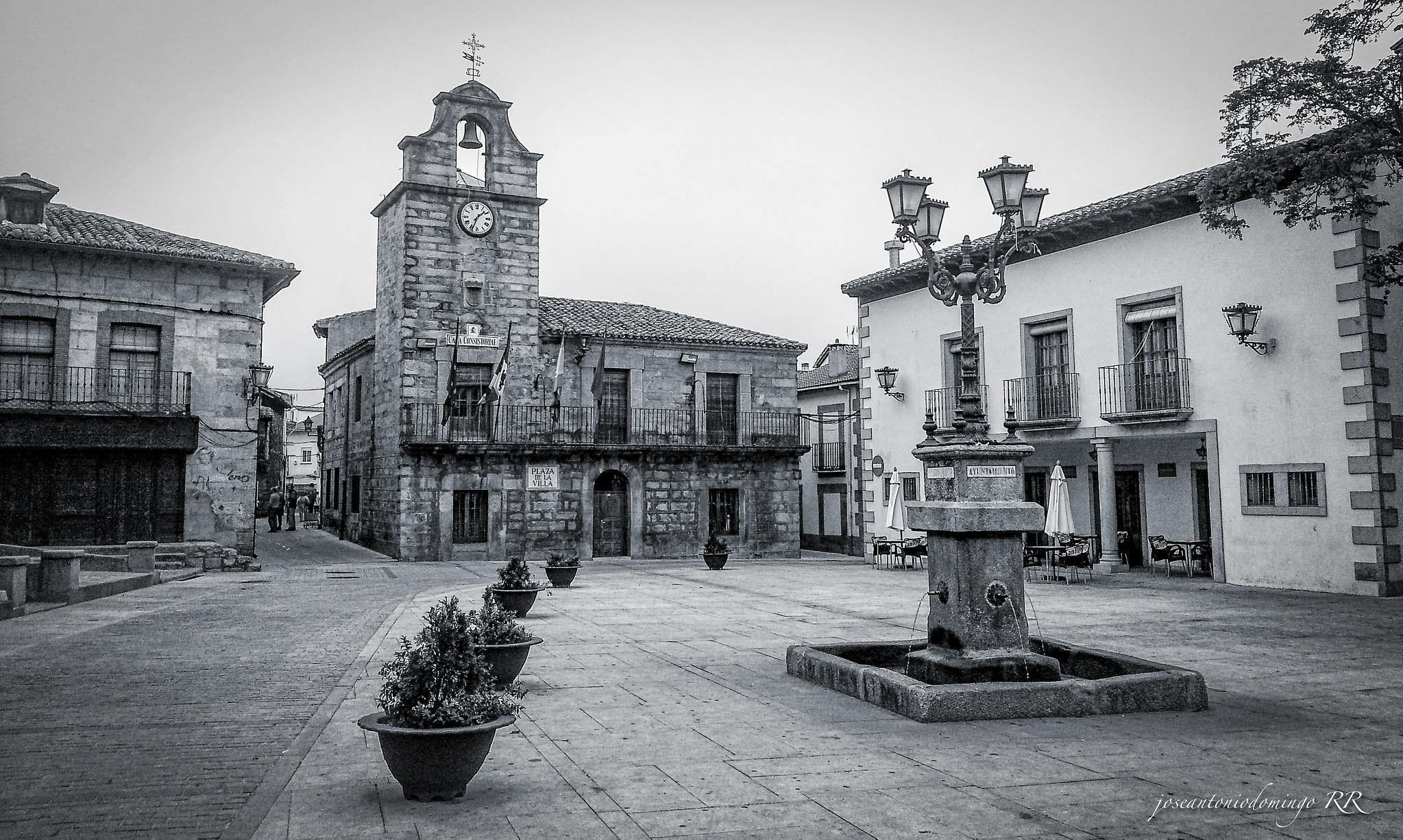 Plaza de La Adrada (Ávila)