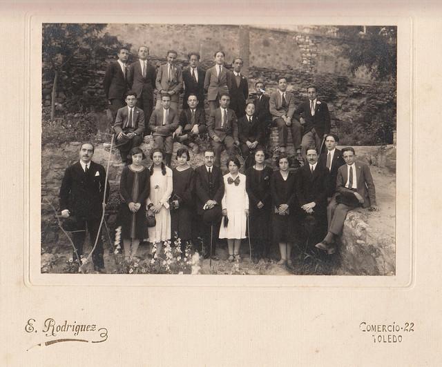 Alumnos y profesores de la Escuela de Artes. Foto Rodríguez.  Colección de Luis Alba.