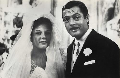 Stefania Sandrelli and Marcello Mastroianni in Divorzio all'italiana (1961)