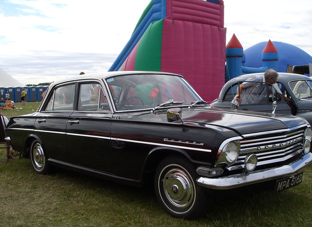 VAUXHALL CRESTA 1966 SALOON CAR AT DAMYNS HALL AERODROME CAR AND MILITARY SHOW ESSEX ENGLAND SS854367