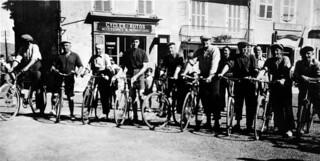 Course cycliste lors de la fête patronale d'Orgelet en 1945