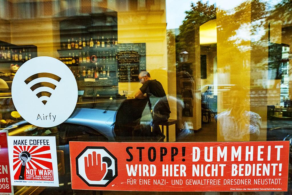 STOPP! DUMMHEIT WIRD HIER NICHT BEDIENT--Dresden