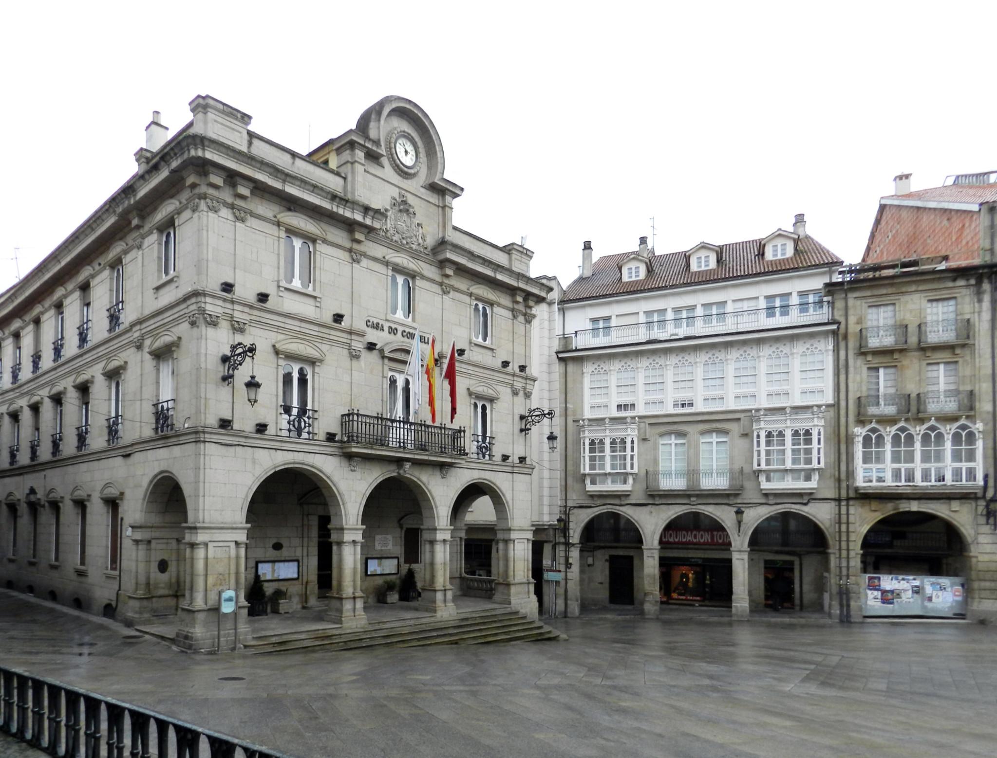 edificio del Ayuntamiento o Casa do Concello, Plaza Mayor ciudad Orense Ourense España