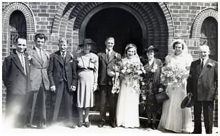 VINTAGE WEDDING. UNKNOWN LOCATION.