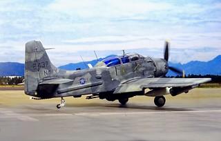 1:72 Douglas YOA-1E 'LAGOS Skyraider'; Aircraft ?2?/'Jungle Queen' of US Navy VA-33 'Ironhides'; Cam Ranh Air Base, South Vietnam, November 1968. (Whif/Monogram kit conversion)