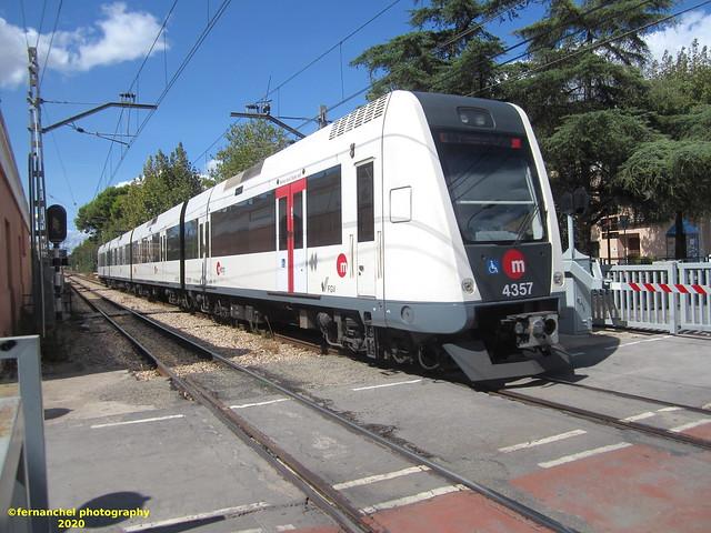 Tren de Metrovalencia (UT 4357) a su paso por PICANYA (Valencia)