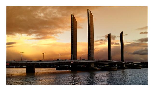 Pont Jacques Chaban-Delmas 1