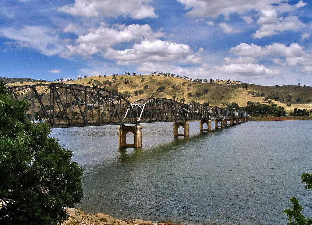 26 December 2004 - Bethanga Bridge across Lake Hume, New South Wales & Victoria, Australia