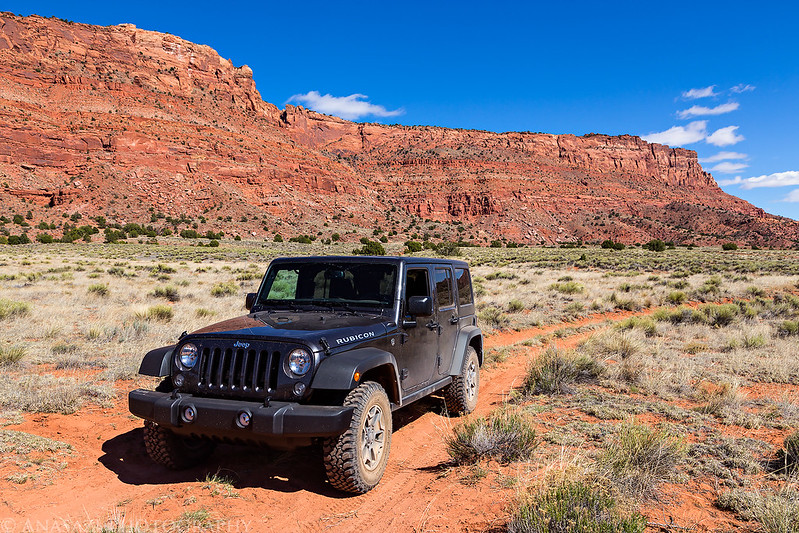 Vermilion Cliffs Jeep