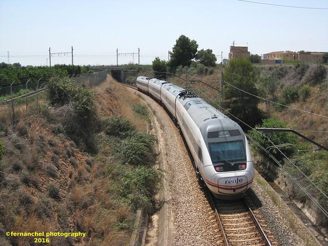 Cruce de vías férreas a distinto nivel. SILLA (Valencia)