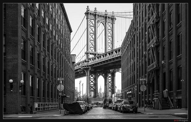 Washington Street and the Manhattan Bridge