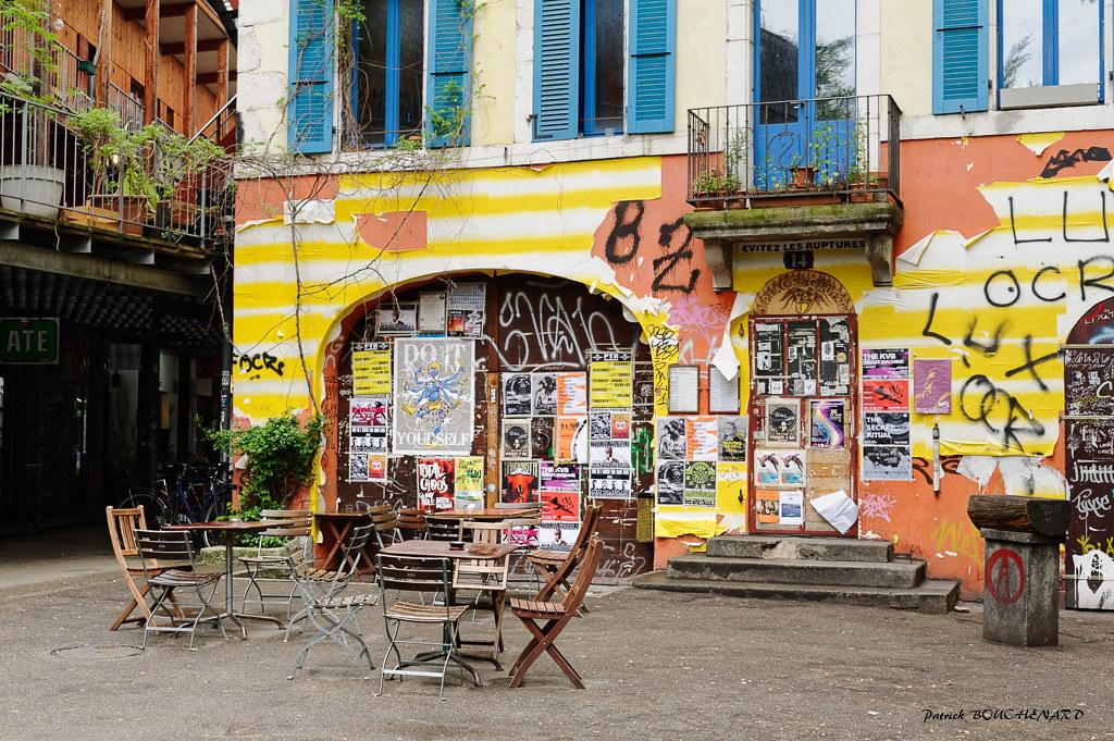 lieu de rencontre gay geneve à Hyères