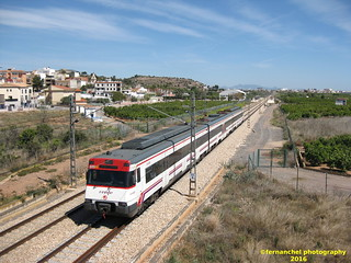 Tren de Cercanías de Renfe (linea C-6) a su paso por LA LLOSA (Castellón)