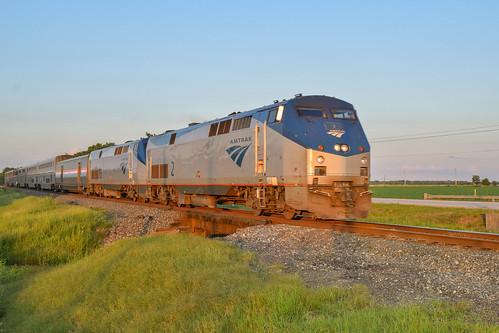 amtrak amtk p42 sunsetlimited sunsetroute passenger train superliners gliddensub tavener eastbernard goldenhour